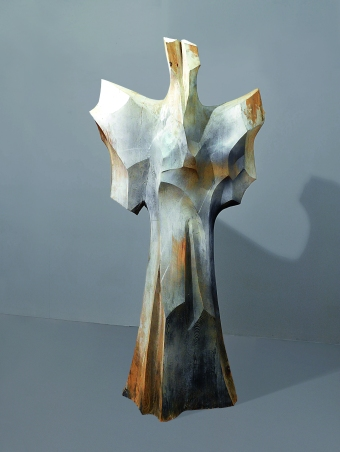 Adam Myjak, z cyklu Kolumny, 2007-2010, drewno polichromowane, 240x110x80, fot. archiwum prywatne Adama Myjaka